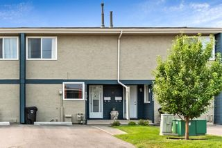 Photo 1: 104 6223 31 Avenue NW in Calgary: Bowness Row/Townhouse for sale : MLS®# A1134935