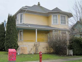 Photo 3: 74 W 12TH Avenue in Vancouver: Mount Pleasant VW House for sale (Vancouver West)  : MLS®# R2244146