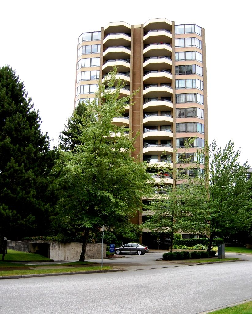 "Main Photo: # 703 - 6282 Kathleen Avenue in Burnaby: Metrotown Condo for sale in ""THE EMPRESS"" (Burnaby South)  : MLS®# V954933"