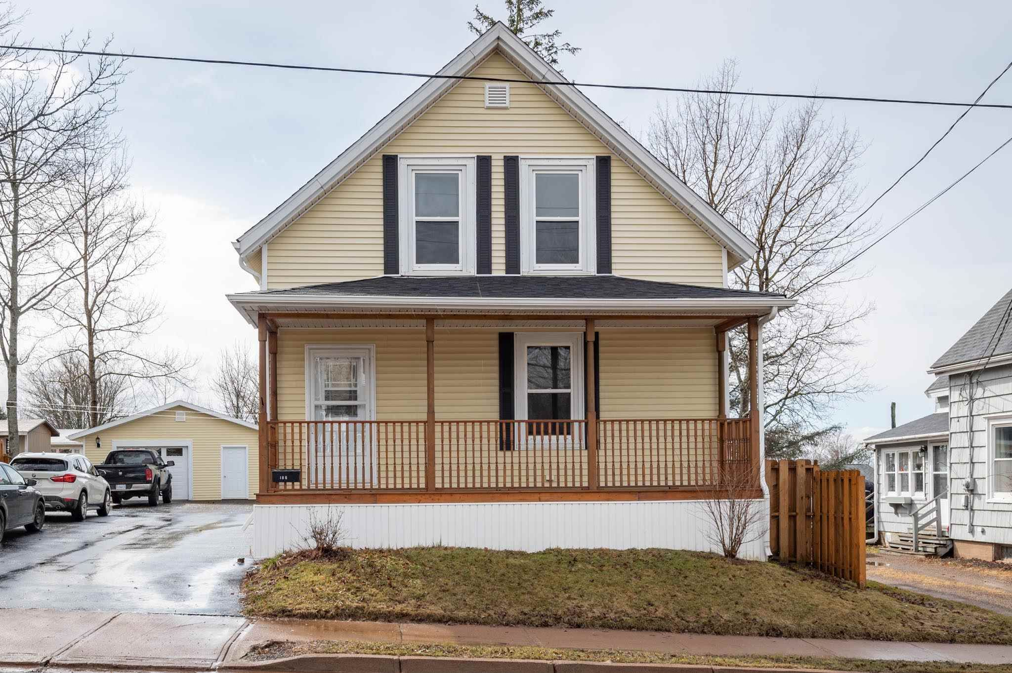 Main Photo: 186 Young Street in Truro: 104-Truro/Bible Hill/Brookfield Residential for sale (Northern Region)  : MLS®# 202107349