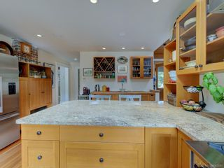 Photo 9: 2776 SEA VIEW Rd in : SE Ten Mile Point House for sale (Saanich East)  : MLS®# 845381
