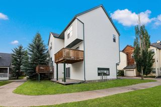 Photo 3: 311 Bridlewood Lane SW in Calgary: Bridlewood Row/Townhouse for sale : MLS®# A1136757