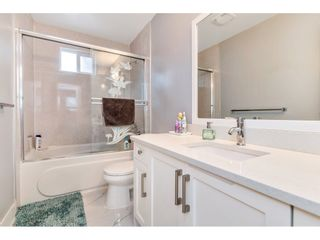 """Photo 13: 17345 63A Avenue in Surrey: Cloverdale BC House for sale in """"Cloverdale"""" (Cloverdale)  : MLS®# R2446374"""