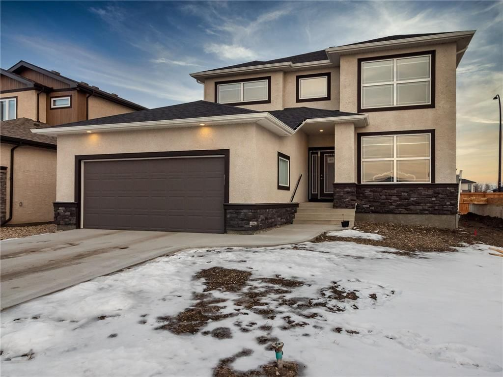 Main Photo: 27 Creemans Crescent in Winnipeg: Charleswood Residential for sale (1H)  : MLS®# 202102206