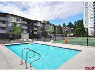 """Photo 10: 402 10088 148TH Street in Surrey: Guildford Condo for sale in """"Bloomsbury Court"""" (North Surrey)  : MLS®# F1126553"""