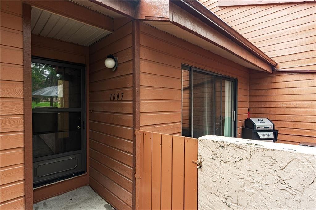 Photo 2: Photos: 1007 2520 PALLISER DR SW in Calgary: Oakridge Row/Townhouse for sale : MLS®# C4297041