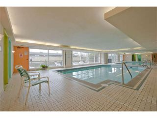 """Photo 15: 810 15111 RUSSELL Avenue: White Rock Condo for sale in """"Pacific Terrace"""" (South Surrey White Rock)  : MLS®# F1424896"""