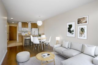 """Photo 3: 1306 909 MAINLAND Street in Vancouver: Yaletown Condo for sale in """"YALETOWN PARK 2"""" (Vancouver West)  : MLS®# R2516846"""