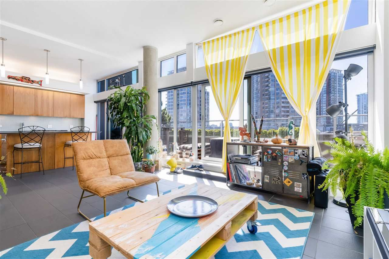 "Main Photo: 806 33 W PENDER Street in Vancouver: Downtown VW Condo for sale in ""33 Living"" (Vancouver West)  : MLS®# R2566180"