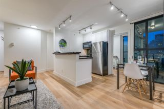 """Photo 6: 1403 928 RICHARDS Street in Vancouver: Yaletown Condo for sale in """"THE SAVOY"""" (Vancouver West)  : MLS®# R2461037"""