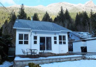 Photo 3: 66531 KERELUK Road in Hope: Hope Kawkawa Lake House for sale : MLS®# R2532830