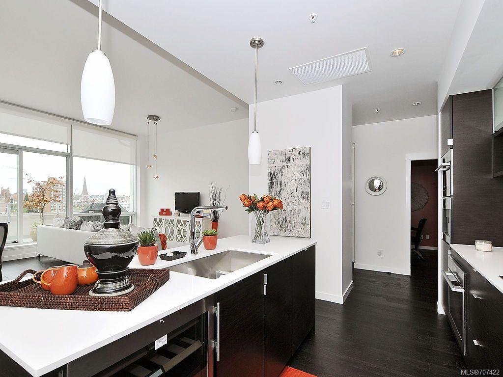 Main Photo: 502 770 Fisgard St in Victoria: Vi Downtown Condo for sale : MLS®# 707422