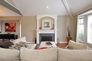 """Photo 4: 21585 86 Court in Langley: Walnut Grove House for sale in """"FOREST HILLS"""" : MLS®# R2028400"""