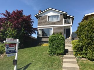 Photo 2: 336 W 27TH Street in North Vancouver: Upper Lonsdale House for sale : MLS®# R2267811