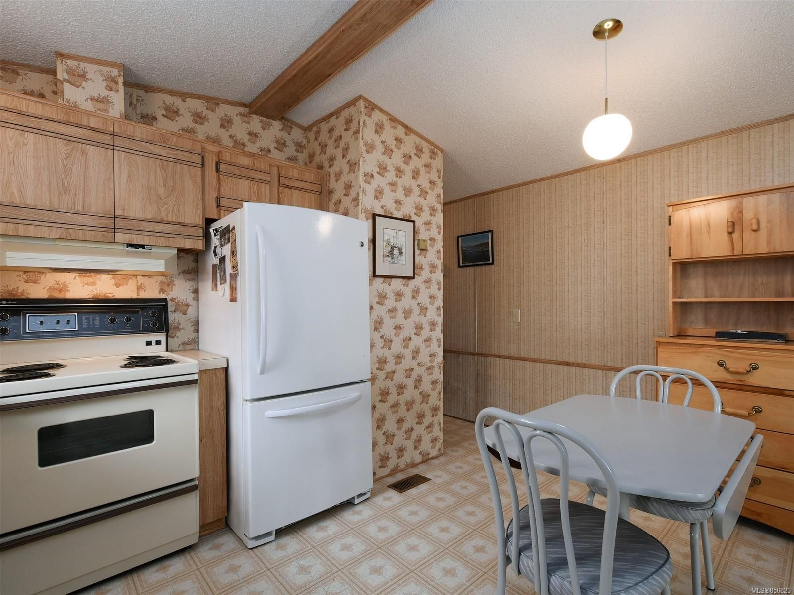 Photo 10: Photos: 25 7871 West Coast Rd in : Sk Kemp Lake Manufactured Home for sale (Sooke)  : MLS®# 856820