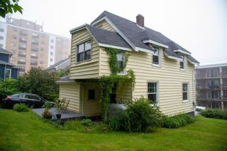 Photo 2: 3266 Veith Street in North End: 3-Halifax North Residential for sale (Halifax-Dartmouth)  : MLS®# 202115775