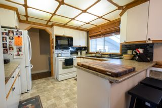 Photo 13: 30 LaVerendrye Crescent in Portage la Prairie: House for sale : MLS®# 202108992