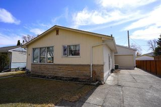 Photo 1: 8 Fontaine Crescent in Winnipeg: Windsor Park Residential for sale (2G)  : MLS®# 202107039