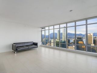 """Photo 3: 4005 1028 BARCLAY Street in Vancouver: West End VW Condo for sale in """"PATINA"""" (Vancouver West)  : MLS®# R2147918"""