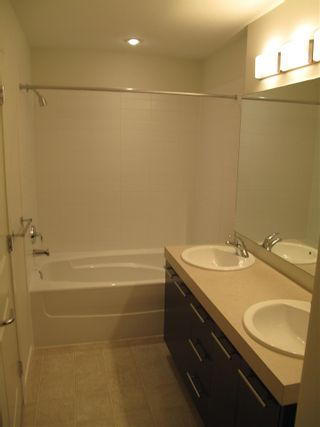"""Photo 8: 84 7233 189 Street in Surrey: Clayton Townhouse for sale in """"Tate"""" (Cloverdale)  : MLS®# R2580526"""