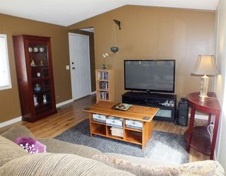 """Photo 7: 37 62790 FLOOD HOPE Road in Hope: Hope Silver Creek Manufactured Home for sale in """"SILVER RIDGE"""" : MLS®# R2456344"""