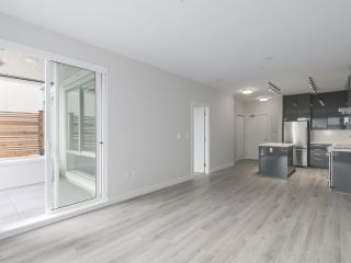 """Photo 5: 104 1768 GILMORE Avenue in Burnaby: Brentwood Park Condo for sale in """"Escala"""" (Burnaby North)  : MLS®# R2398729"""