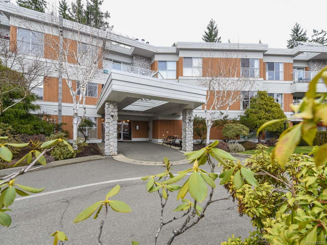 Main Photo: 309 1686 Balmoral Ave in COMOX: CV Comox (Town of) Condo for sale (Comox Valley)  : MLS®# 833200