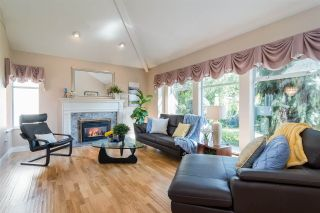 Photo 4: 336 FINNIGAN Street in Coquitlam: Central Coquitlam House for sale : MLS®# R2308731