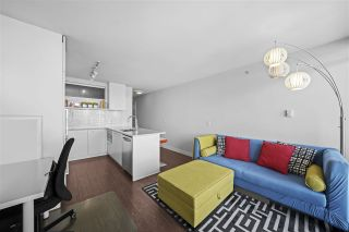"""Photo 10: 1607 668 COLUMBIA Street in New Westminster: Quay Condo for sale in """"TRAPP + HOLBROOK"""" : MLS®# R2584515"""