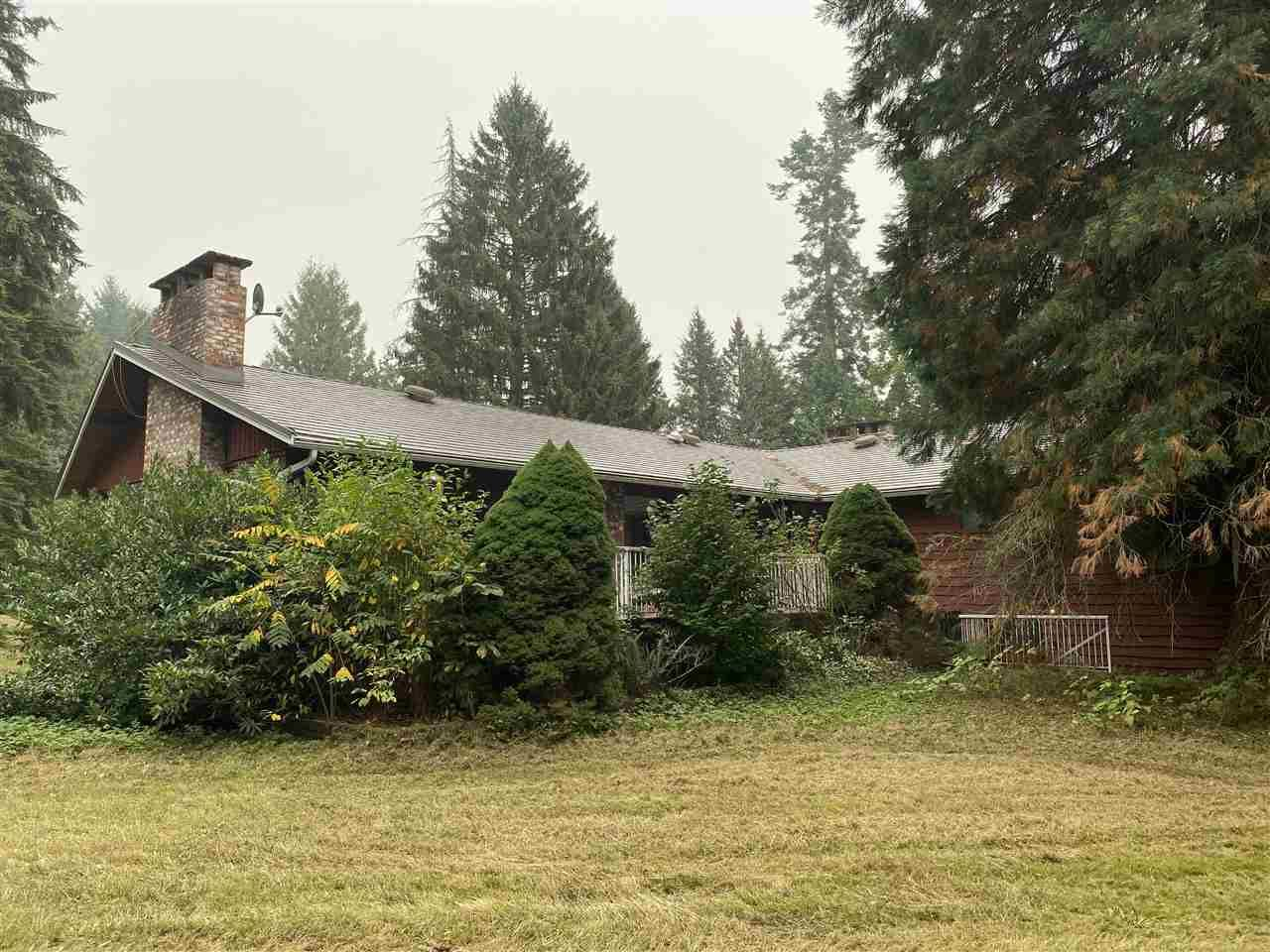 """Main Photo: 22923 78 Avenue in Langley: Fort Langley House for sale in """"Forest Knolls"""" : MLS®# R2497282"""