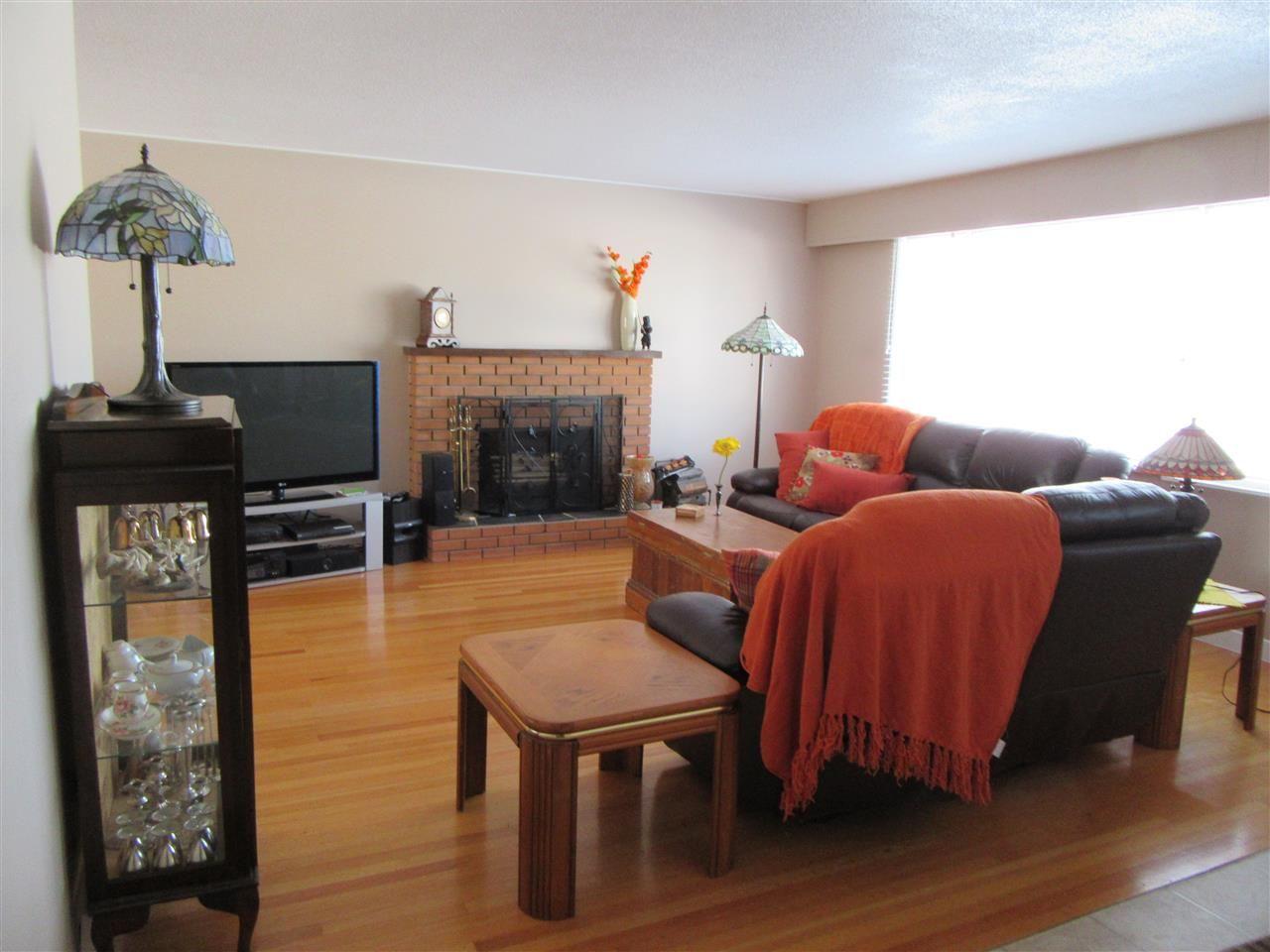 Photo 4: Photos: 522 RADCLIFFE Drive: Quinson House for sale (PG City West (Zone 71))  : MLS®# R2433646