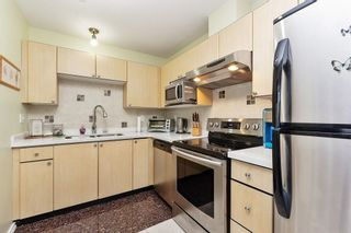 """Photo 5: 405 10188 155 Street in Surrey: Guildford Condo for sale in """"The Sommerset"""" (North Surrey)  : MLS®# R2379338"""