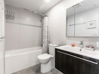 """Photo 8: 2205 285 E 10TH Avenue in Vancouver: Mount Pleasant VE Condo for sale in """"The Independent"""" (Vancouver East)  : MLS®# R2599683"""
