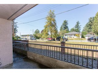 "Photo 16: 105 33956 ESSENDENE Avenue in Abbotsford: Central Abbotsford Condo for sale in ""Hillcrest Manor"" : MLS®# R2192762"
