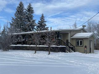 "Main Photo: 4816 BALDONNEL Road in Fort St. John: Fort St. John - Rural E 100th House for sale in ""BALDONNEL"" (Fort St. John (Zone 60))  : MLS®# R2501024"