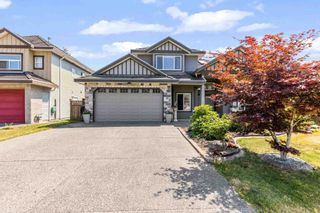 Photo 2: 9926 159 Street in Surrey: Guildford House for sale (North Surrey)  : MLS®# R2601106