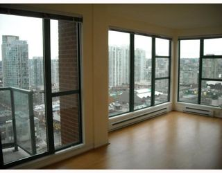 "Photo 5: 2107 939 HOMER Street in Vancouver: Downtown VW Condo for sale in ""THE PINNACLE"" (Vancouver West)  : MLS®# V746950"