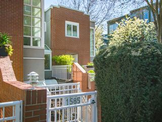 """Photo 27: 1585 MARINER Walk in Vancouver: False Creek Townhouse for sale in """"LAGOONS"""" (Vancouver West)  : MLS®# R2158122"""