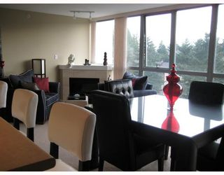 "Photo 8: 902 295 GUILDFORD Way in Port_Moody: North Shore Pt Moody Condo for sale in ""BENTELY"" (Port Moody)  : MLS®# V677629"