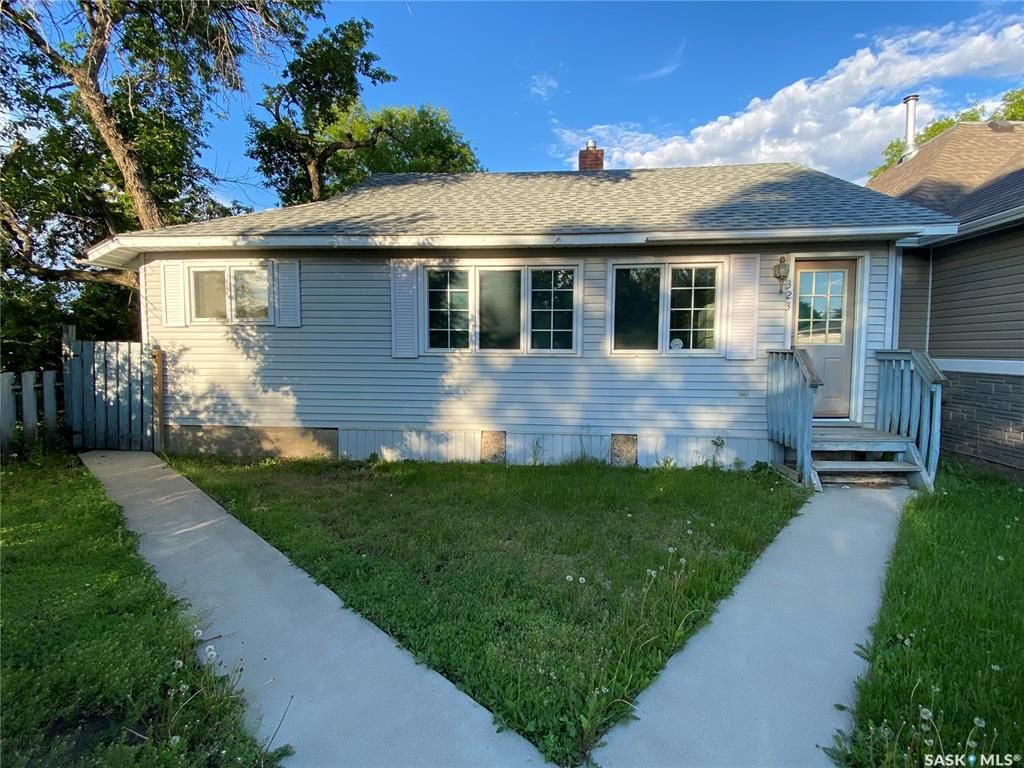 Main Photo: 323 Hall Street in Outlook: Residential for sale : MLS®# SK837687