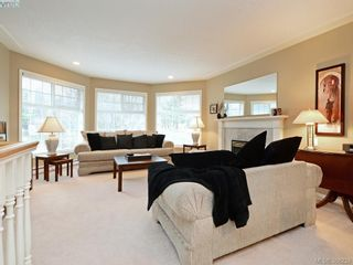 Photo 19: 4001 Santa Rosa Pl in VICTORIA: SW Strawberry Vale House for sale (Saanich West)  : MLS®# 780186