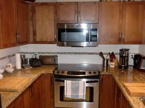 Photo 4: 421-12350 Harris Road in Pitt Meadows: Condo for sale : MLS®# R2142898
