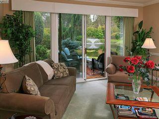 Photo 8: 122 2345 Cedar Hill Cross Rd in VICTORIA: OB Henderson Row/Townhouse for sale (Oak Bay)  : MLS®# 771080