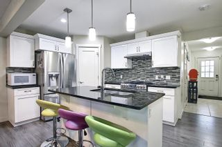 Photo 4: 1608 167 Street Street in Edmonton: Zone 56 House for sale : MLS®# E4253986