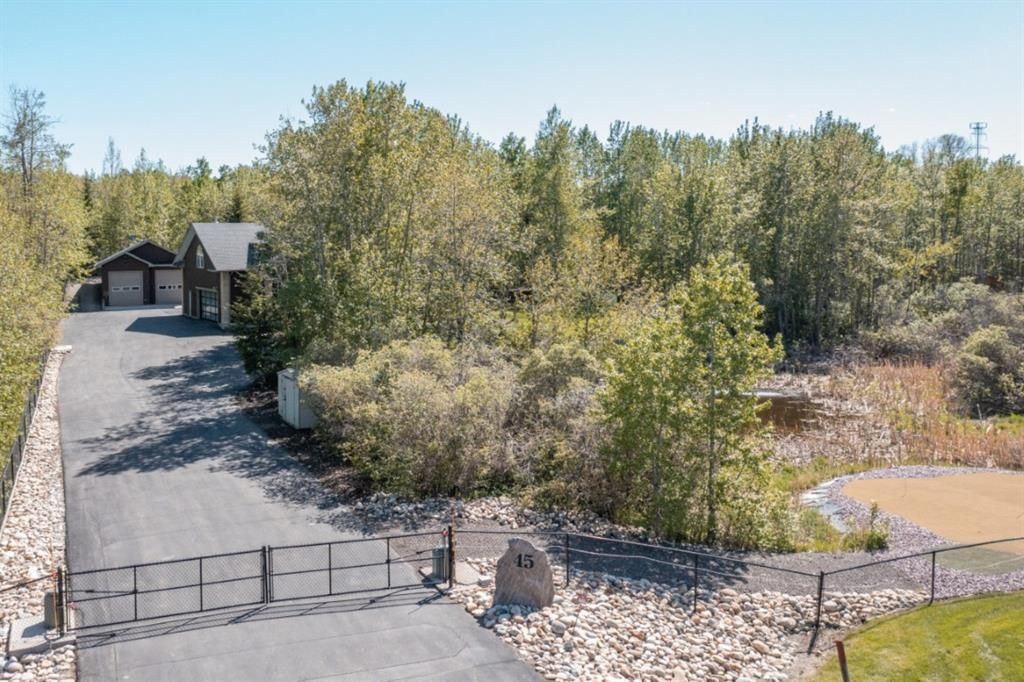 2 acres completely fenced and nestled amongst the trees for complete privacy.