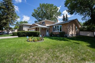 Photo 2: 319 FAIRVIEW Road in Regina: Uplands Residential for sale : MLS®# SK854249