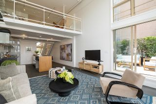 """Photo 2: 403 1529 W 6TH Avenue in Vancouver: False Creek Condo for sale in """"WSIX"""" (Vancouver West)  : MLS®# R2620601"""