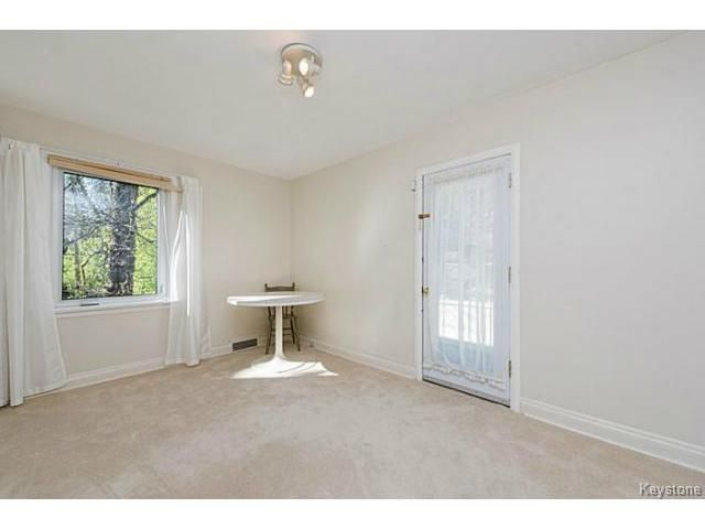 Photo 13: Photos: 359 Kingston Crescent in WINNIPEG: St Vital Residential for sale (South East Winnipeg)  : MLS®# 1513221