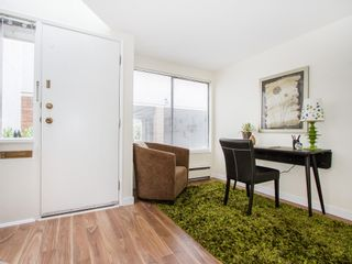 """Photo 3: 104 811 W 7TH Avenue in Vancouver: Fairview VW Townhouse for sale in """"WILLOW MEWS"""" (Vancouver West)  : MLS®# V1110537"""