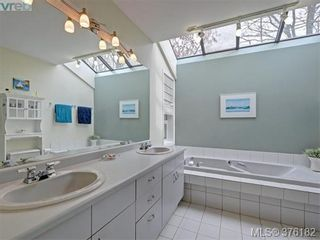 Photo 10: 1564 Prospect Pl in VICTORIA: OB North Oak Bay House for sale (Oak Bay)  : MLS®# 755138